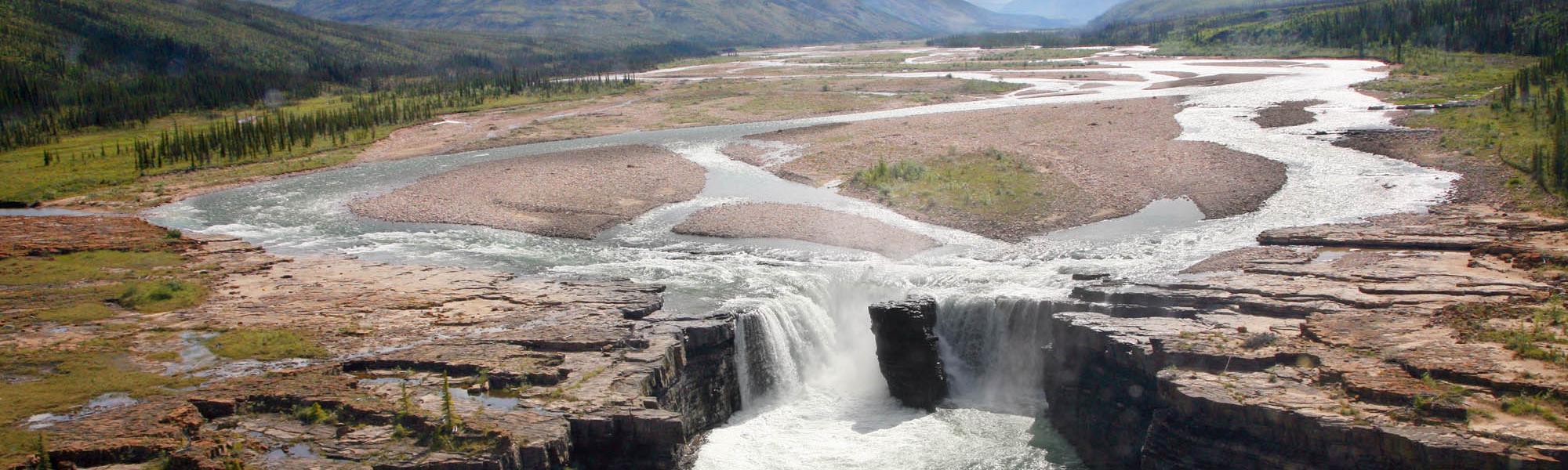 Carcajou Falls, Sahtu Region