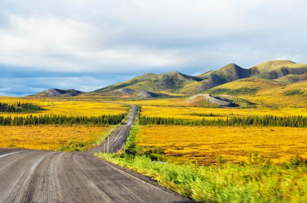 Dempster Highway (NWT Highway 8) and Richardson Mountains, Beaufort Delta Region