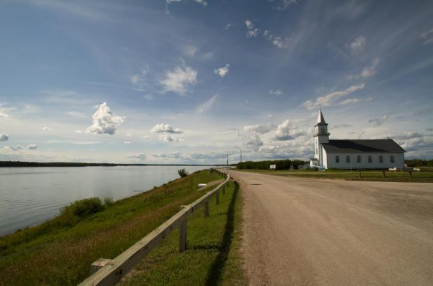 Mackenzie Highway (Highway 1), Fort Providence, South Slave Region